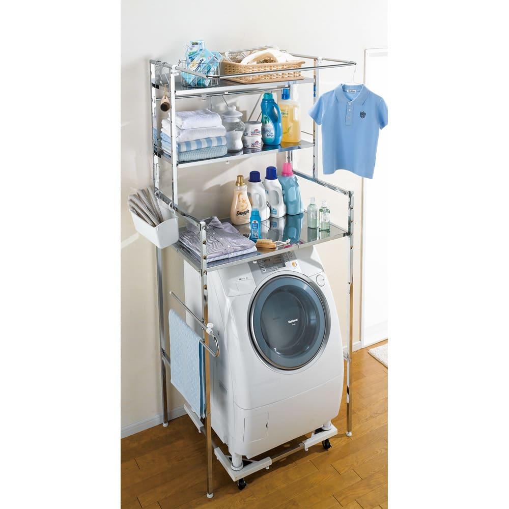 奥行たっぷり ステンレス棚の洗濯機ラック 棚3段 幅60~89cm 狭い洗面所をでも収納力を増やせる深い奥行棚が自慢です。