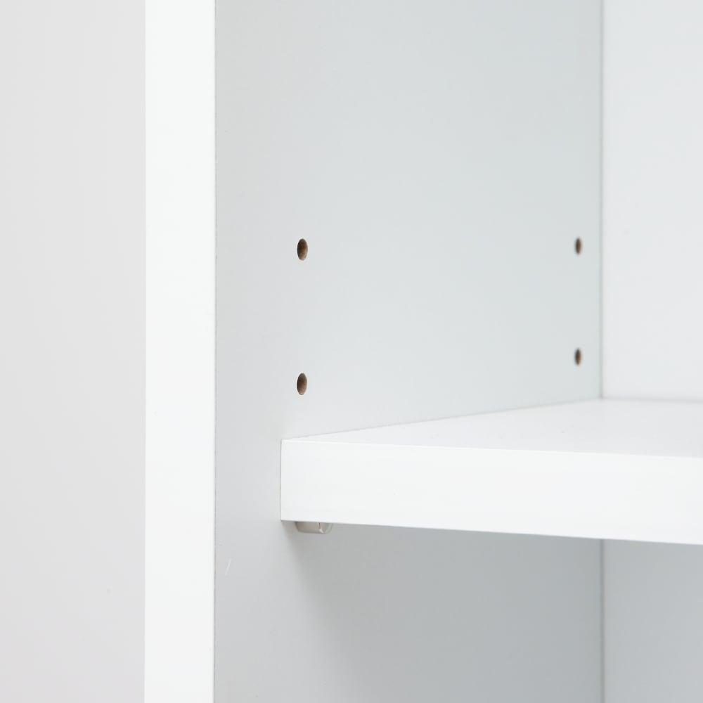 天板が使える 光沢仕上げ扉付きすき間収納庫 ハイタイプ・幅30cm 棚板はダボでしっかりと支えます。 可動棚板は3cmピッチ3段階で可動できます。