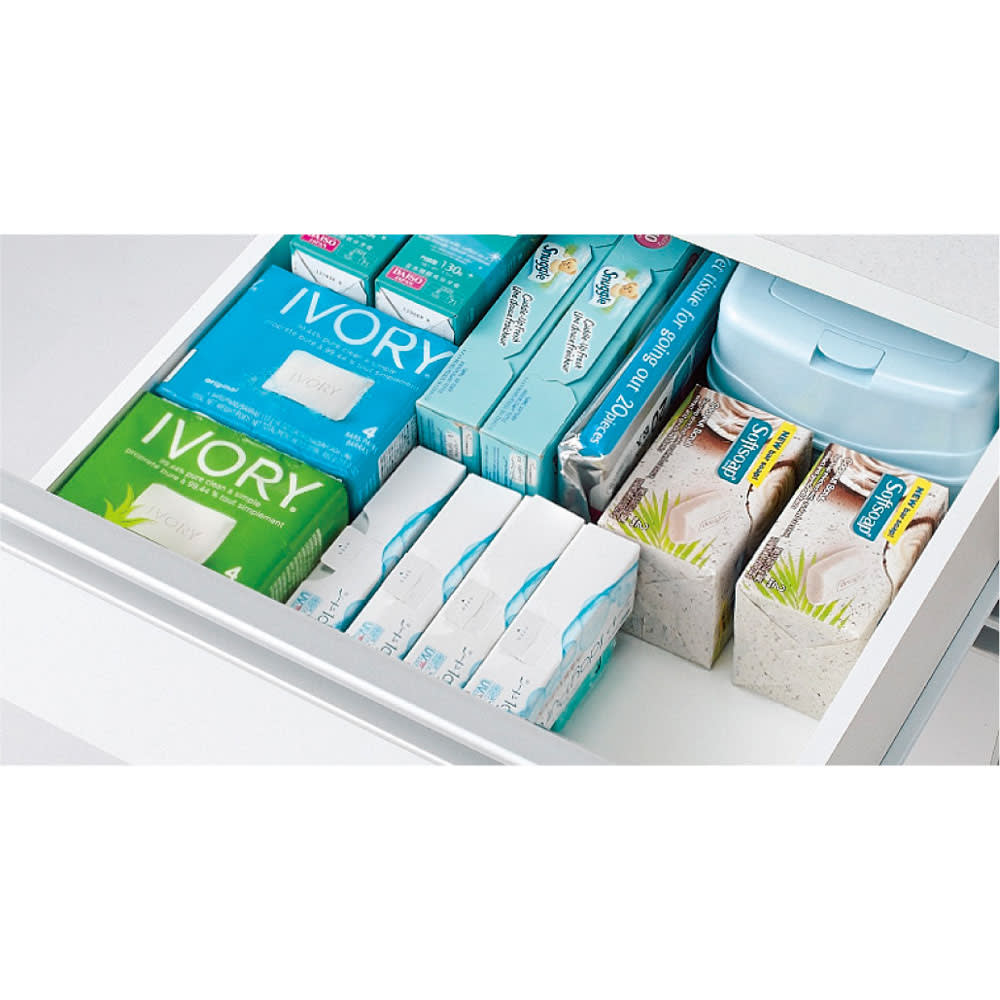 組立不要 収納物に優しい サニタリーすき間チェスト 幅20cm 洗面所のお掃除用品や化粧品など細かい収納物もすっきり収納できます。(※写真は幅45cmタイプです)