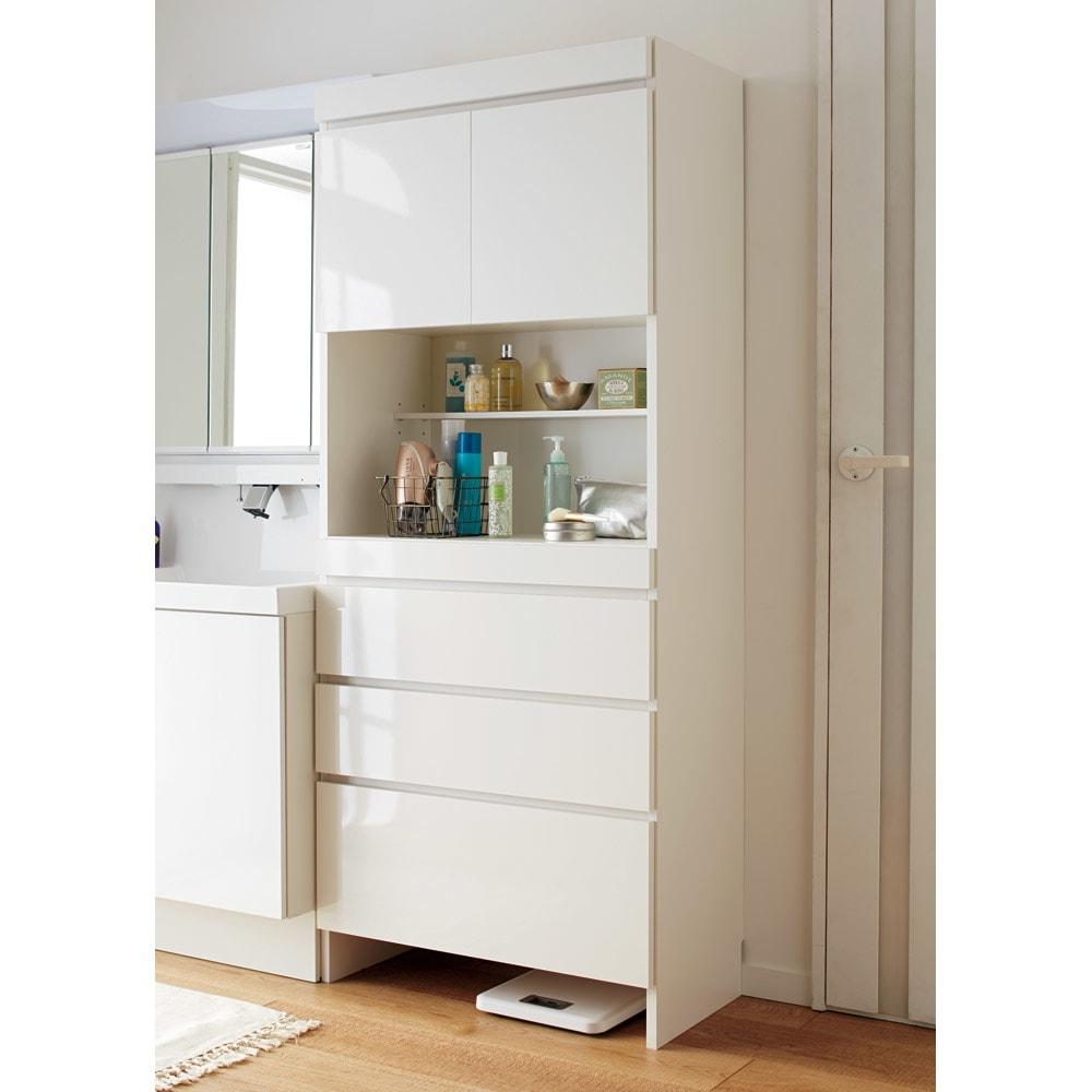 家事がしやすい サポート引き出しサニタリーチェスト ハイタイプ 幅60.5cm 清潔感のあるホワイトで、洗面所がすっきりとした印象に。(※写真は幅75.5cmタイプ)