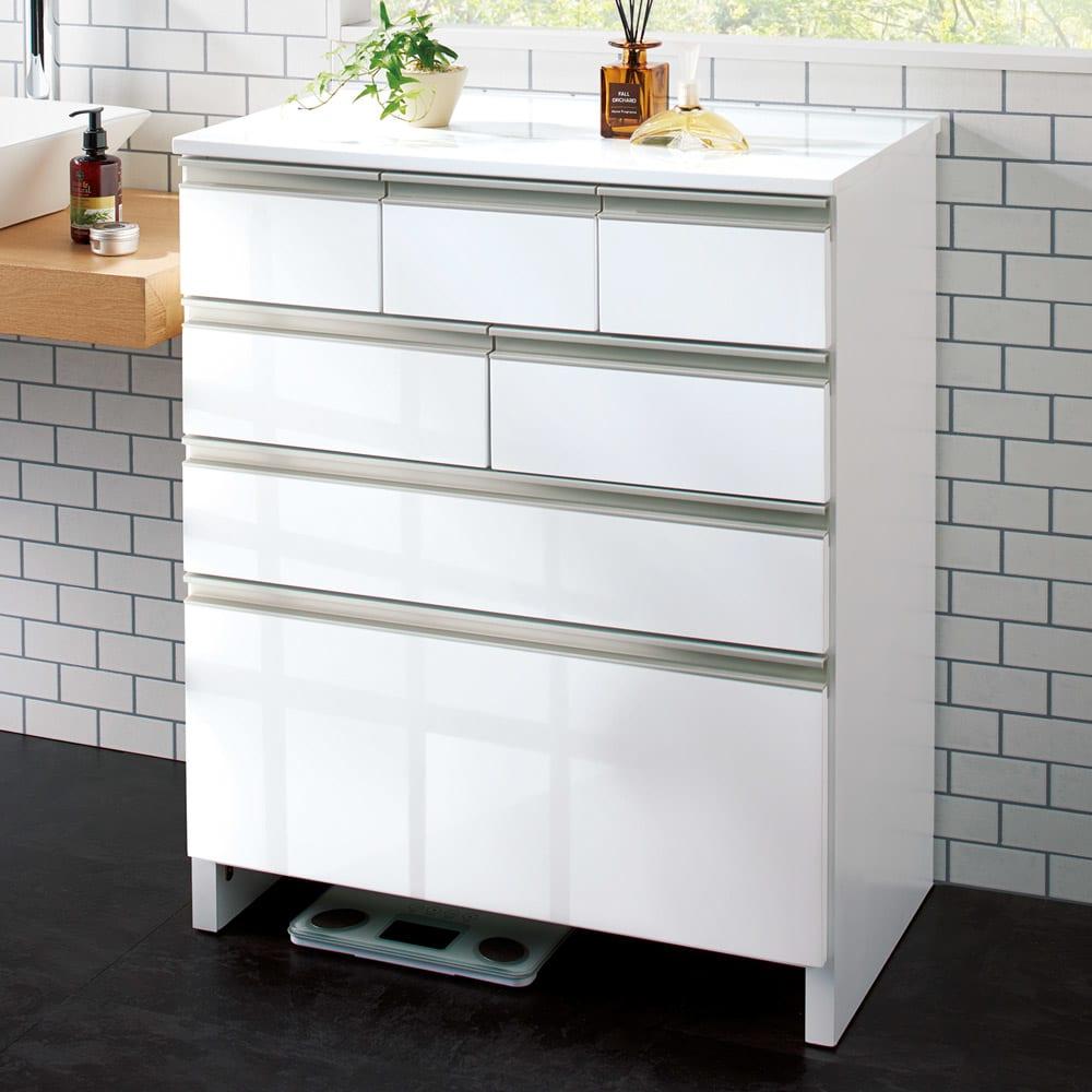 引き出しいっぱい洗面所チェスト 幅60奥行30cm 商品イメージ ※写真は幅75cm・奥行45cmのものとなります。 下のスペース(高さ8cm)には体重計が入ります。