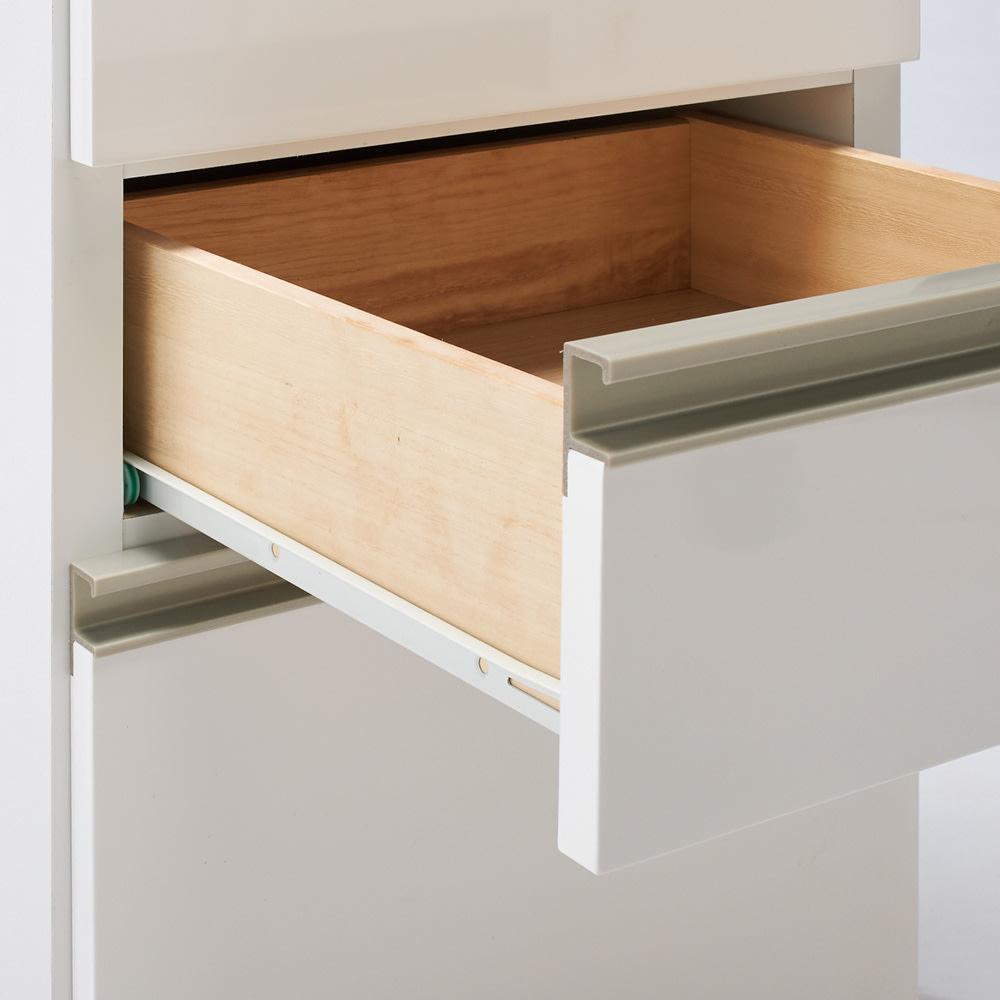 引き出しいっぱい洗面所チェスト 幅45奥行45cm 2・3段目はなめらかに引き出せるスライドレール付き。