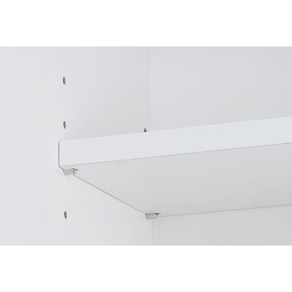 組立不要 天井まで使える薄型サニタリーチェスト 奥行23.5cm・幅60cm 上部収納の可動棚板は3cmピッチで高さ調節が可能です。
