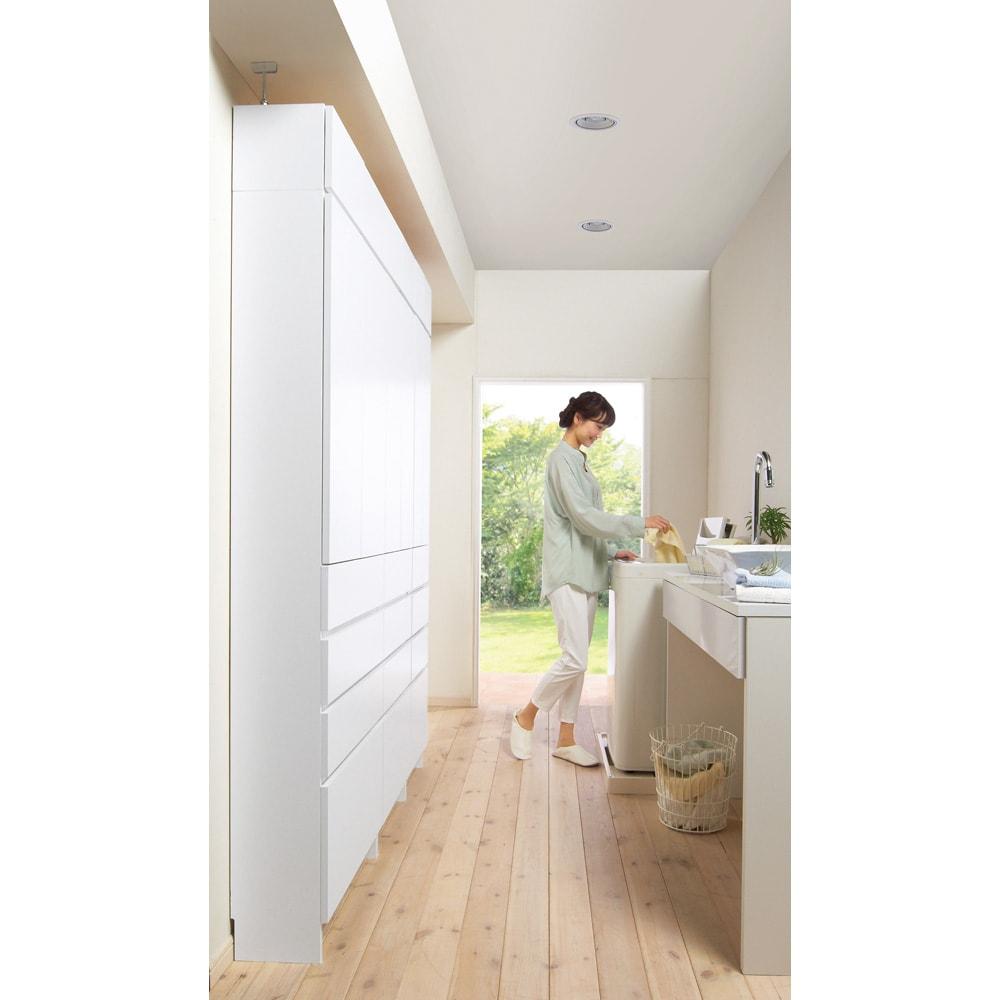 組立不要 天井まで使える薄型サニタリーチェスト 奥行23.5cmタイプ 幅60cm用「上置き(小)・高さ20cm」 圧迫感の少ない薄型23.5cm。