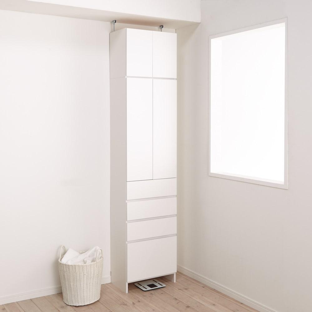 組立不要 天井まで使える薄型サニタリーチェスト 奥行31.5cmタイプ・幅50cm (使用イメージ)※写真は上置き大(別売り)を使用しています。