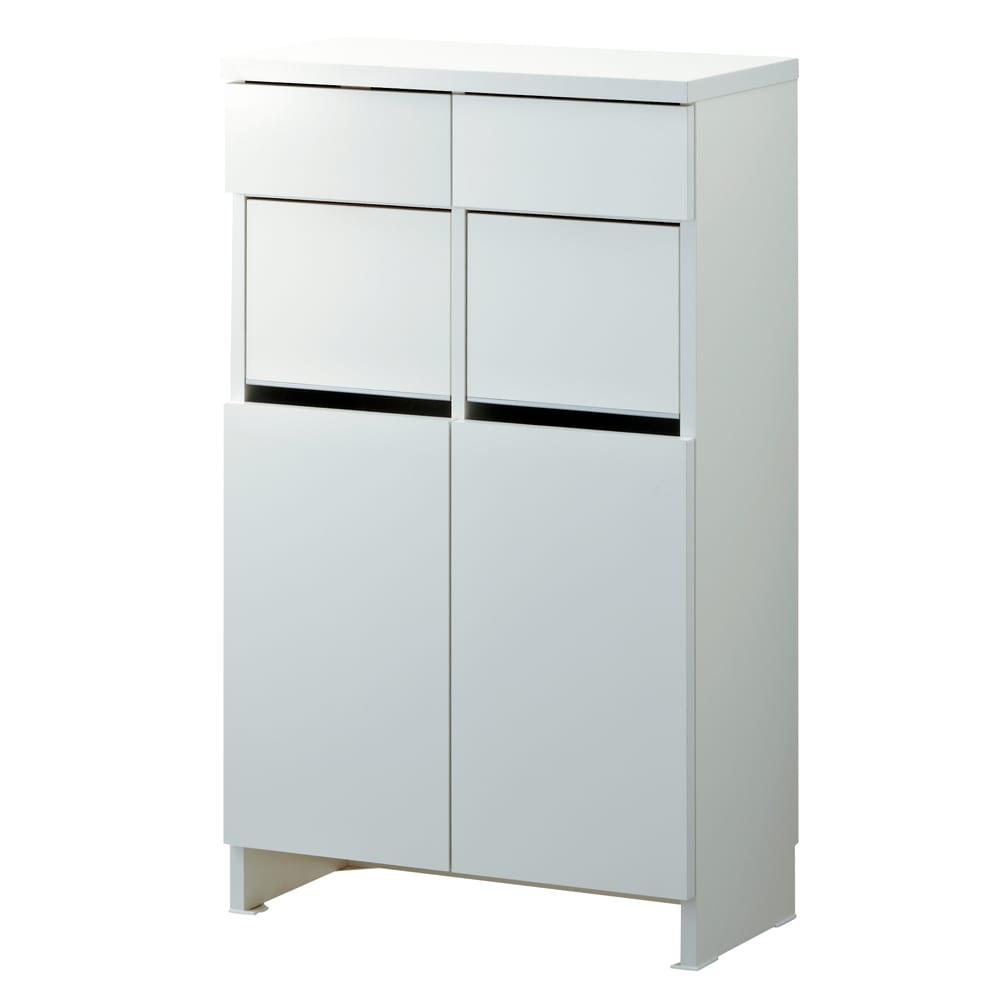 組立不要 洗濯カゴ付き2in1光沢サニタリー収納庫 ロータイプ 幅60.5cm こちらの商品は【幅60.5cm・高さ99.5cmのロータイプ】です。