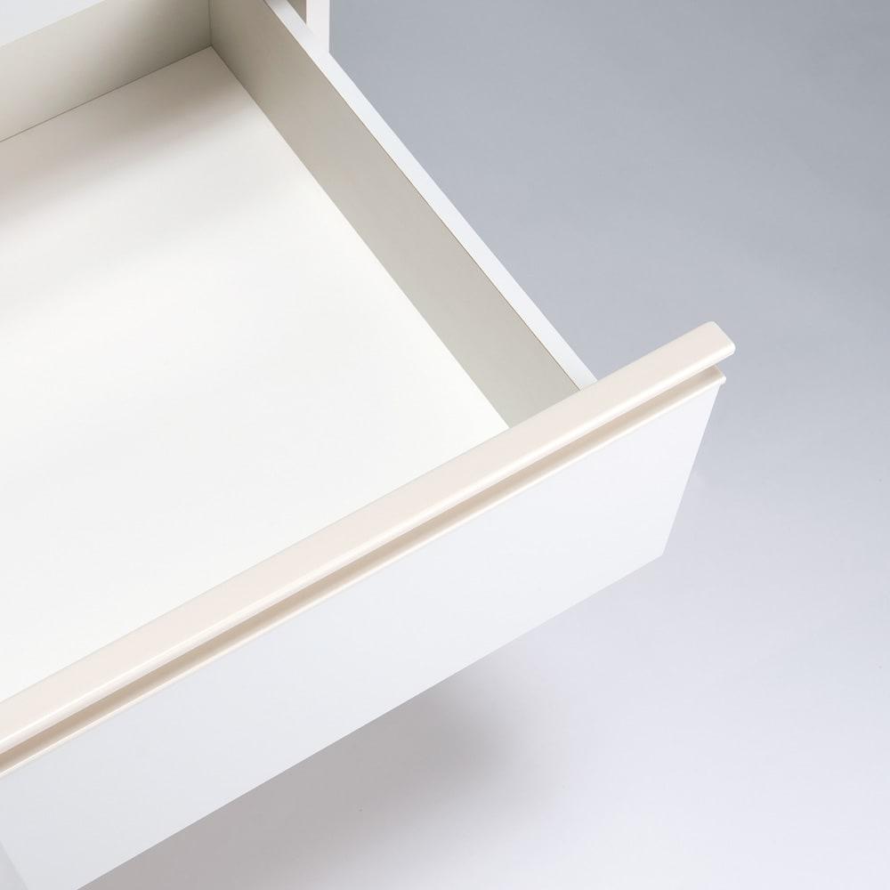 スペースに合わせて奥行が選べるサニタリーチェスト 奥行41cm・幅45cm 引き出し内部も化粧仕上げで、収納物に優しい仕様です。