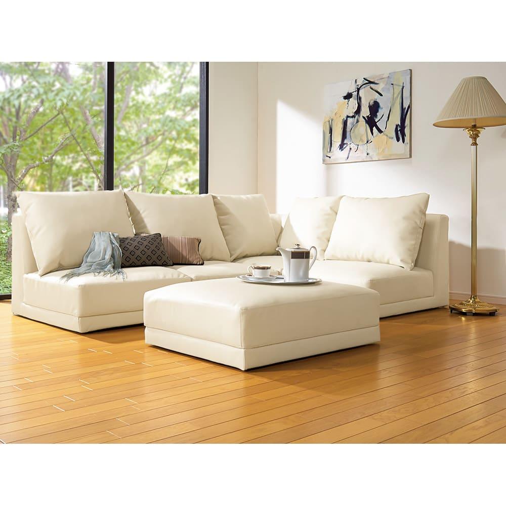 シンプルスタイルコーナーソファ お得な2点セット 脚部を取り外せばローソファー(座部高26cm)としてもお使いいただけます。 ※オットマン(スツール)は商品に含まれません。
