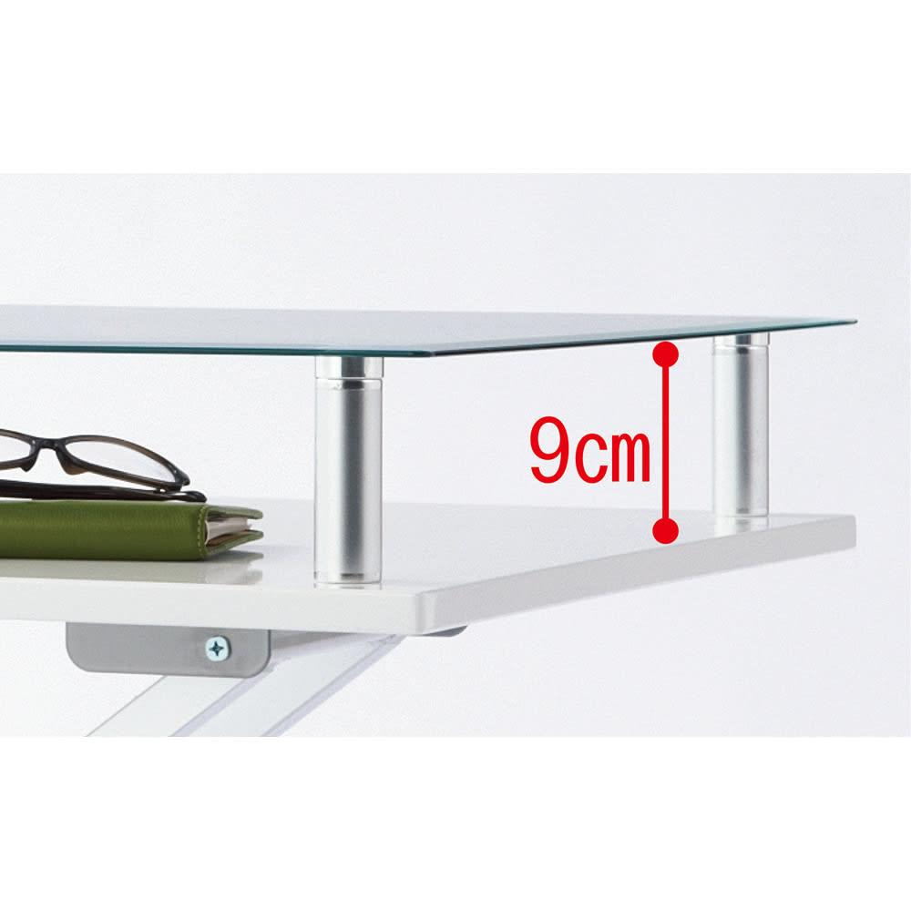 飛散防止フィルム貼りガラス 二重天板昇降式リフティングテーブル 幅102cm ~POINT~ 中間部分はリモコンやノートPCの収納にも便利。