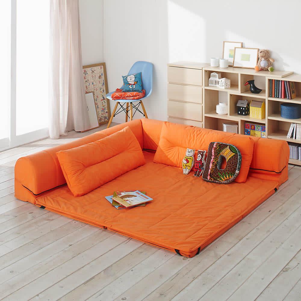 包まれるしあわせのクッション付きごろ寝ソファ 小(142×142cm) お子様のプレイマットとしても活躍します♪