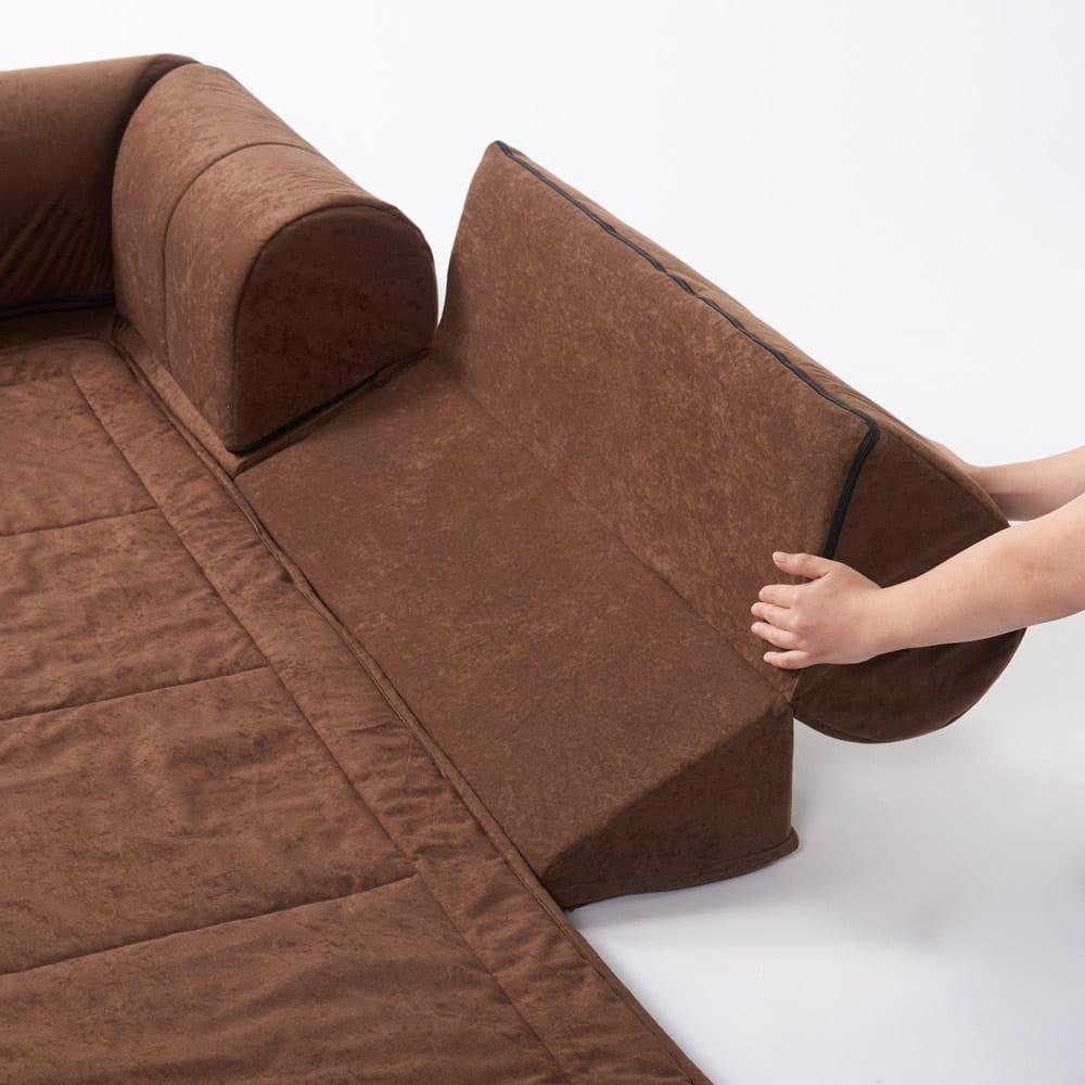 包まれるしあわせのクッション付きごろ寝ソファ 大(190×190cm) 背もたれは折り畳み式で、パタンと倒すだけの簡単操作。