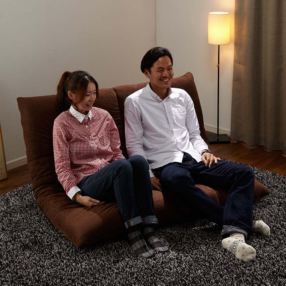 マルチリクライニング コンパクトソファ(座椅子) ハイバックタイプ ラブソファー時  ※モデル身長:157cm、180cm