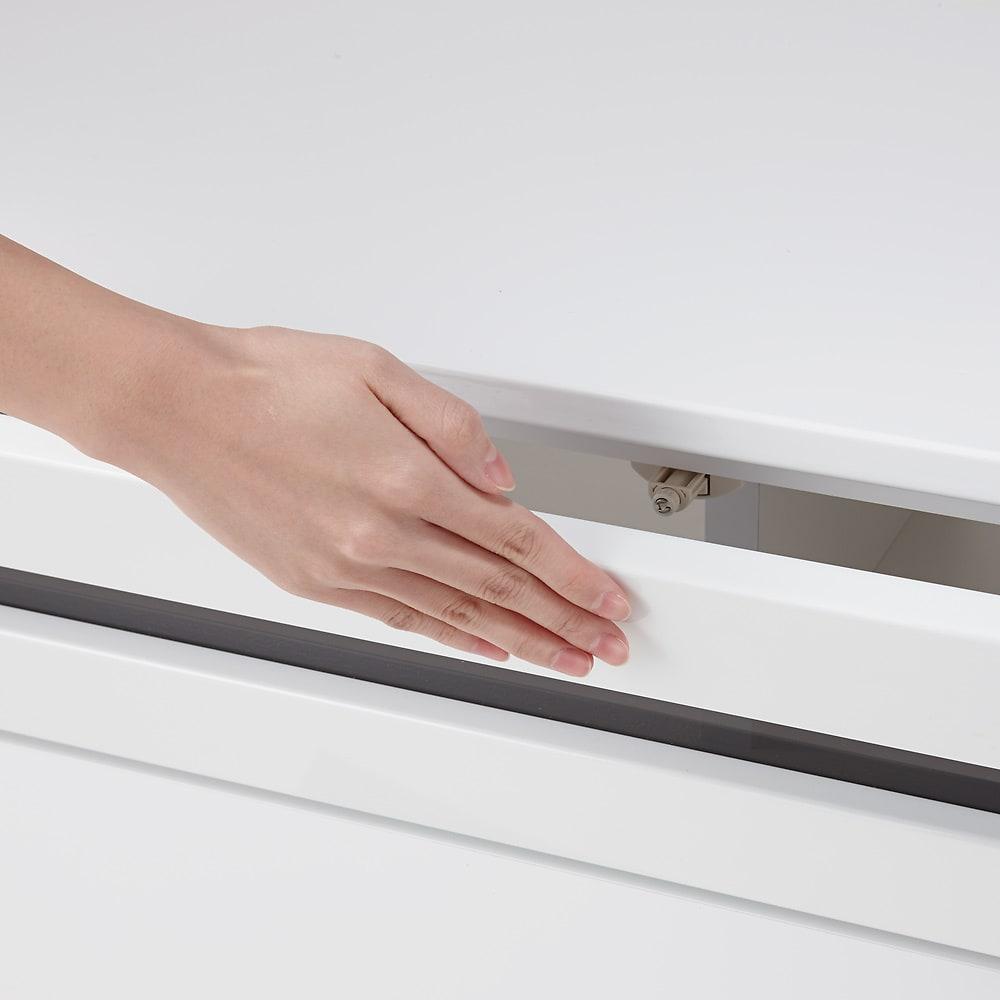 ラインスタイルシリーズ テレビ台 幅99cm 扉は全て開閉簡単なプッシュ式タイプ。