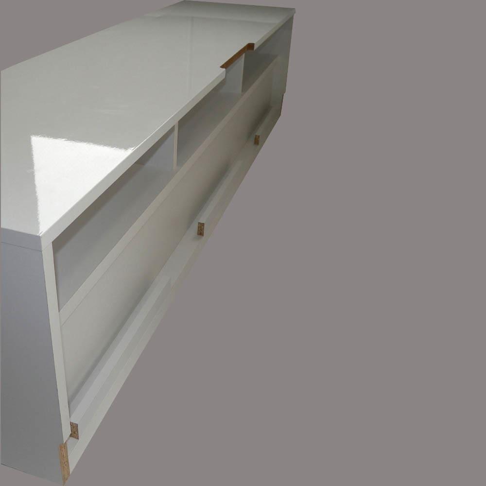 ラインスタイルシリーズ テレビ台 幅178cm 裏面は配線スッキリ収納のポケット。 背面はオープンなので放熱性もあります。