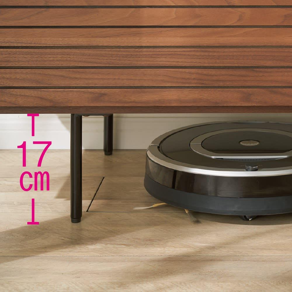 セラミック調ガラスのスタイリッシュテレビ台 幅180cm 脚部にはお掃除ロボットが入り込めます。