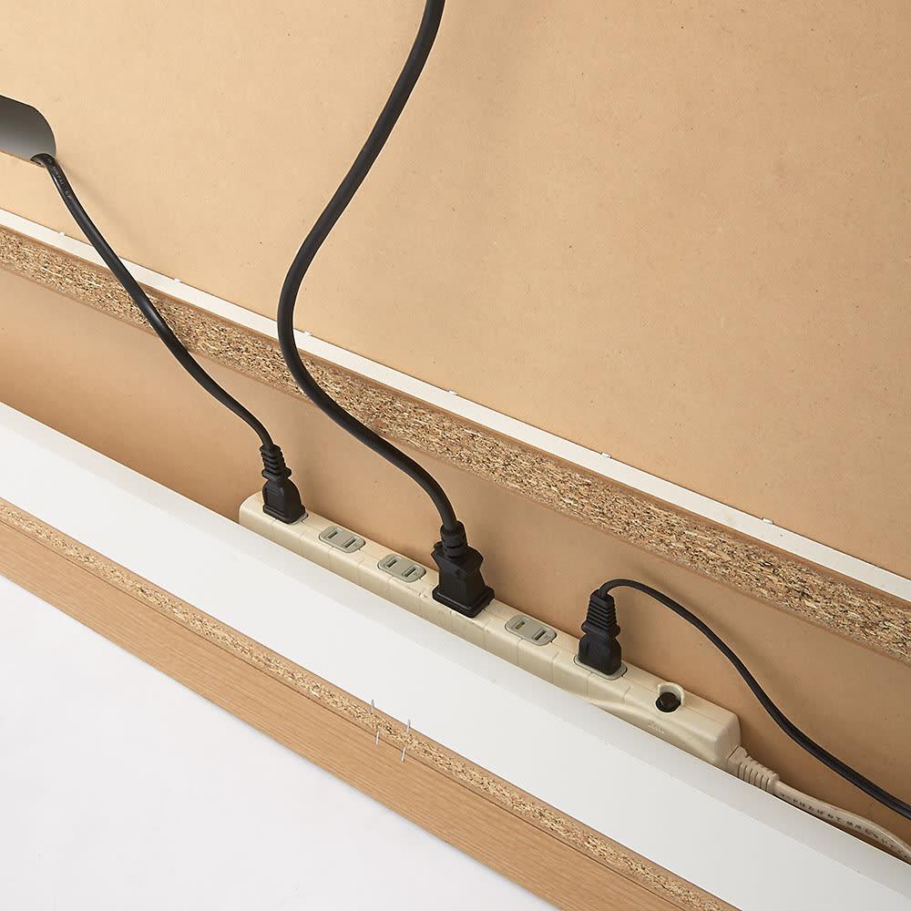 ソファや椅子からも見やすい高さ60cmの テレビ台 幅180cm 裏面下にはコードはコンセントタップ収納スペース付き