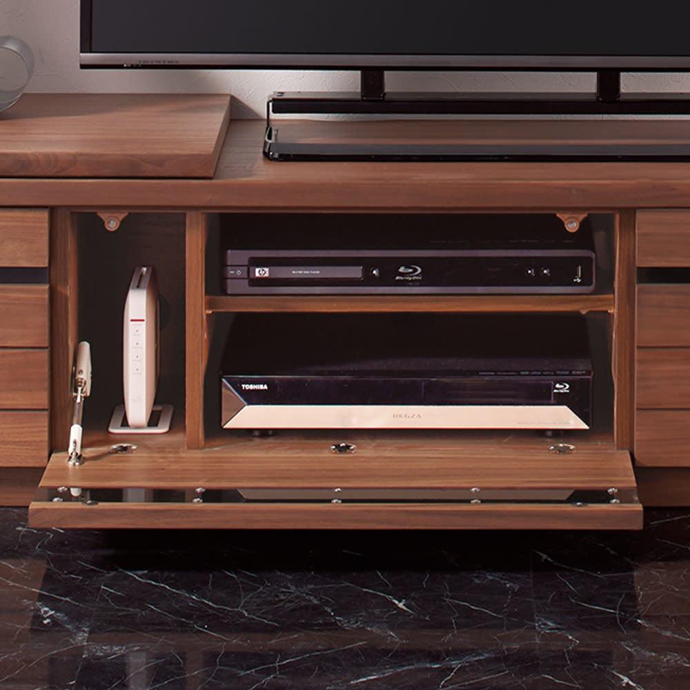 幅も角度も自由自在 天然木伸縮テレビ台 幅146~245cm 収納部は、デッキだけでなくモデムやルーターまで収納できます。