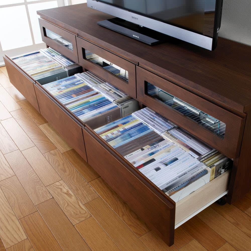 アルダー天然木ユニットボード キャスター付きテレビ台 幅159cm 引き出しにはソフトを収納できます。