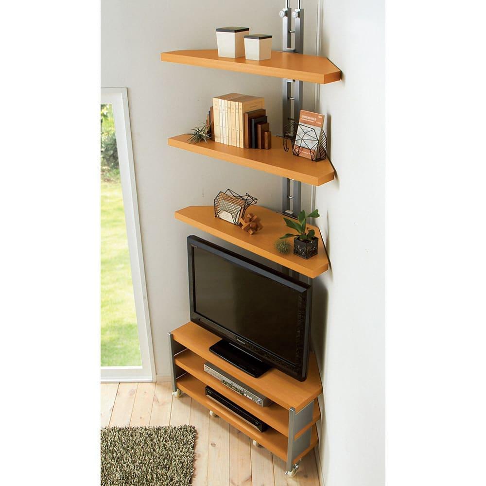テレビ上の空間を有効活用できる突っ張り式スペースラックコーナー用 幅90cm・2段 棚板形状見本。棚板は壁に沿った、まるで野球のホームベースのような形をしています。