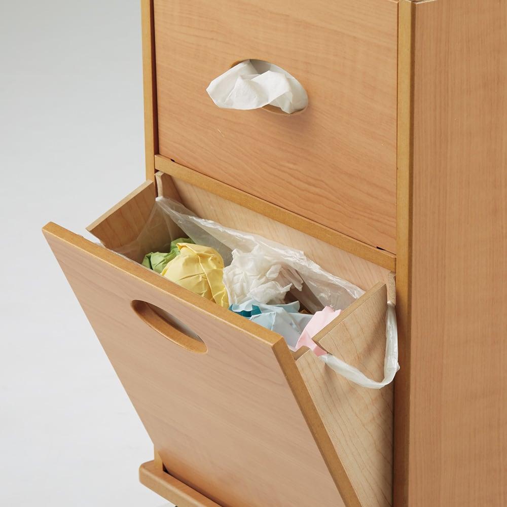 リビングまわりの小物がスッキリ片付く快適ワゴン レジ袋が掛けられる溝付きフラップ式ゴミ箱。