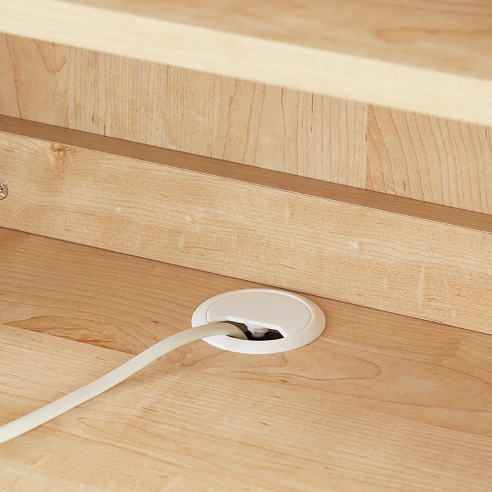 ホームライブラリーシリーズ キャビネット 幅60cm 突っ張りタイプ デスク天板の配線穴に電源コードが通せます。
