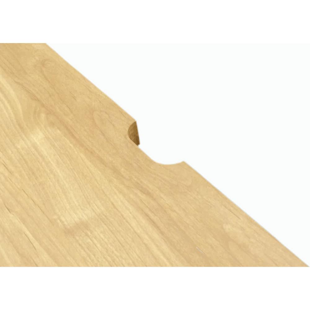アルダー天然木 アールデザインデスクシリーズ デスク・幅180.5cm 天板の奥に配線穴がありコード類もすっきり。