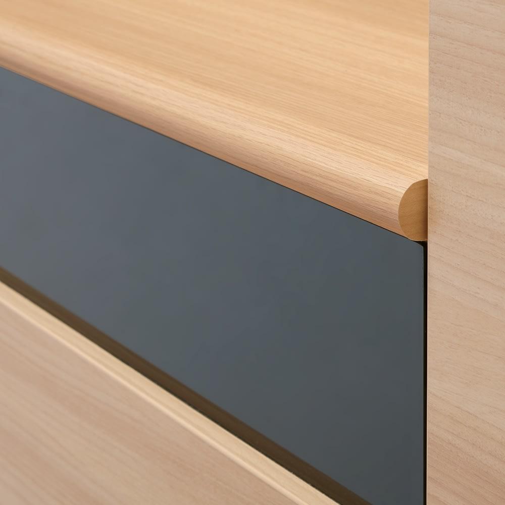 奥行44cm 生活感を隠すリビング壁面収納シリーズ 収納庫 PCデスク 幅80cm デスク天板は、継ぎ目を隠す優しい曲面のポストフォーム加工。※画像は同素材のテレビ台天板です。