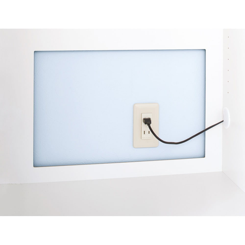 スイッチ避け壁面収納シリーズ 収納庫タイプ(上台オープン・下台扉・背板あり)幅60cm奥行30cm コンセント…背面には穴があるので、壁のコンセントが生かせる設計です。