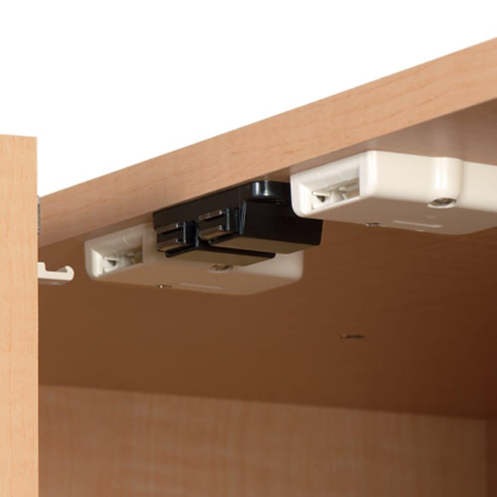 日用品もしまえる頑丈段違い書棚 ヴィンテージ木目調タイプ 上置き 幅40cm 地震の揺れを感知して扉をロックする金具付き。