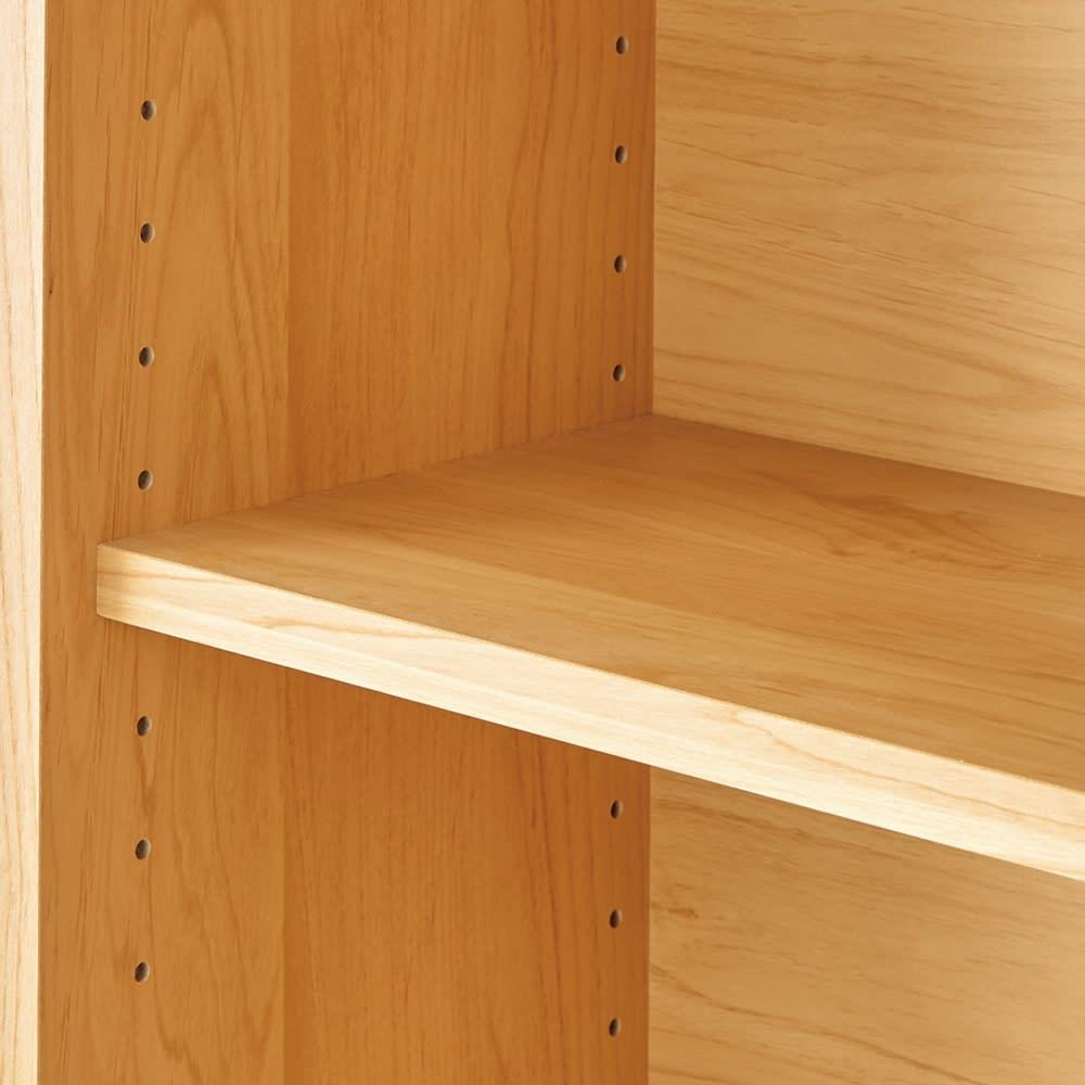 アルダー天然木ガラス引き戸本棚(書棚) 幅90.5cm 3cm間隔で調節可能な棚板。