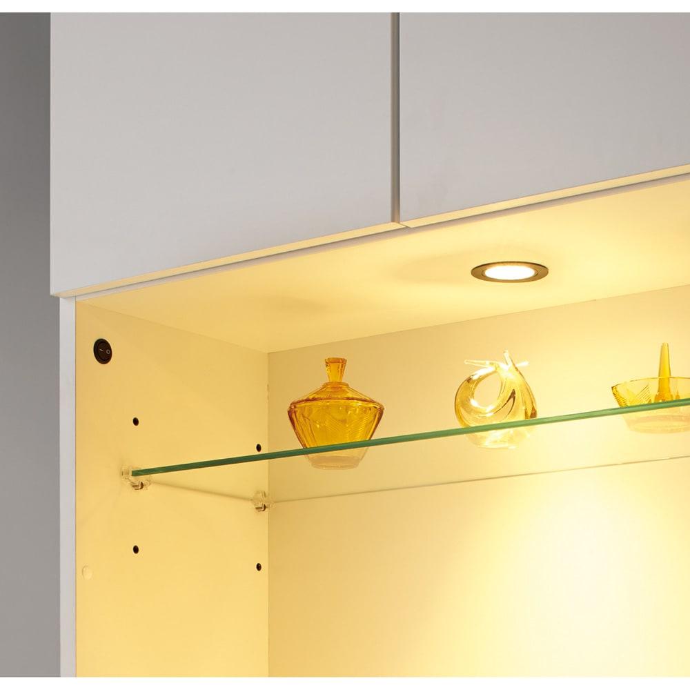 LEDライト付きコレクションシェルフ 引き出し付き 幅58cm 上質空間を演出するLEDライト付き。
