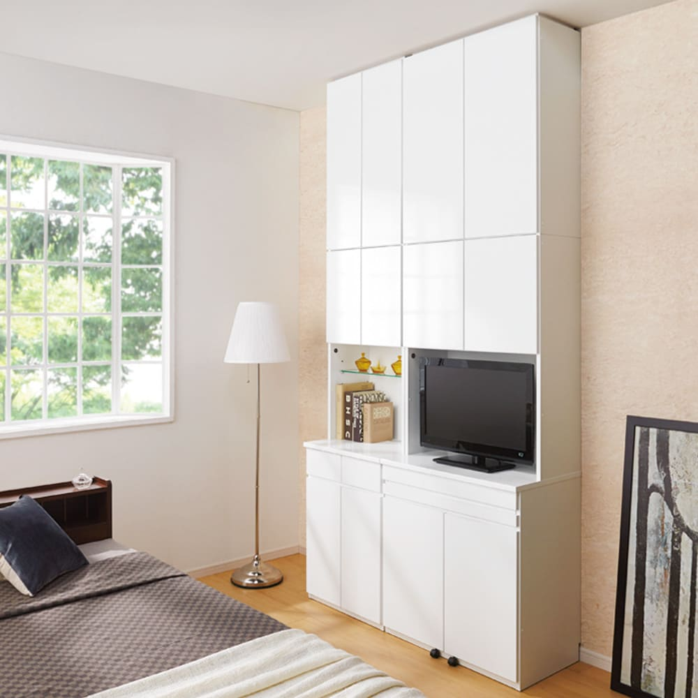 LEDライト付きコレクションシェルフ PCデスク 幅78cm コーディネート例(イ)ホワイト ※お届けはPCデスク・幅78cmです。※写真の天井高さ270cm