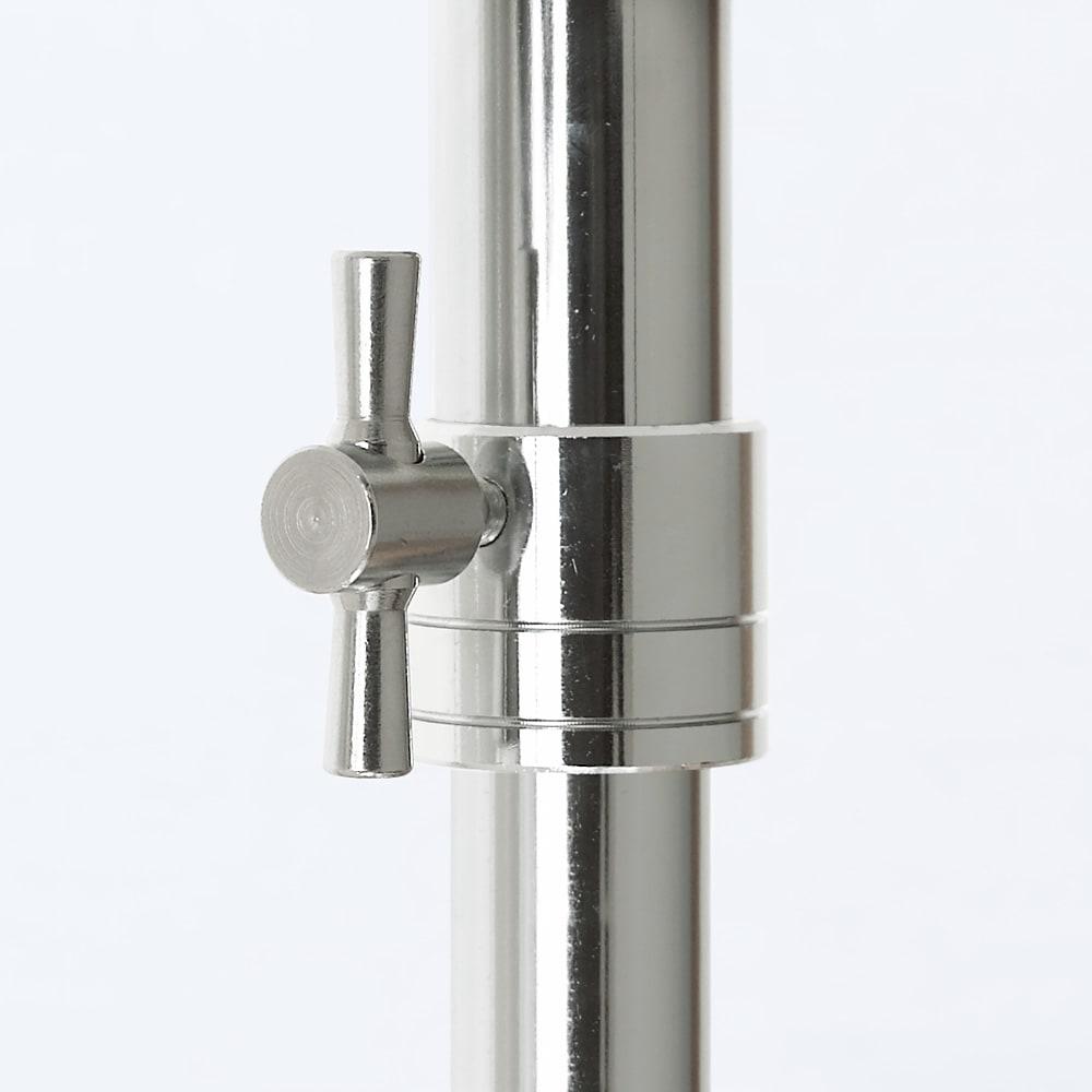 洗えるカバー付き 頑丈ハンガーラック 2段掛けハイタイプ・幅91cm 2段掛けハンガー部の高さを変更するジョイント部はしっかりと固定するスチール製を使用。 ネジ・中間リングともにスチール製で、しっかり固定できます。