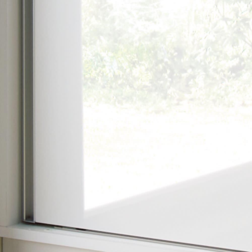 完全受注生産のこだわり仕様 引き戸ワードローブ 幅75~90cm(幅1cmオーダー) (ア)ホワイト 光沢があり、傷や汚れに強い素材を使用しています