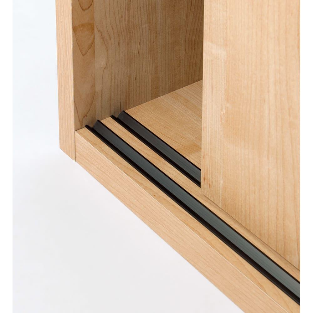 【オシャレな北欧風デザイン】天然木調 引き戸クローゼットハンガー 幅90cm スムーズに開閉するレール式の引き戸を採用しました。