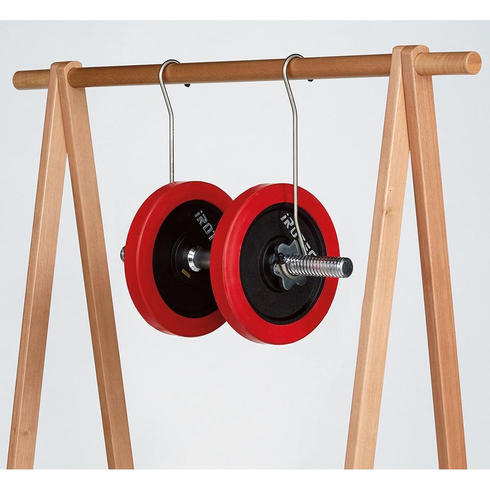 頑丈天然木A型ハンガーラック 幅73cm 天然木製でとても頑丈な造り。総耐荷重は約50kg。頑丈なのでたっぷり掛けても安心(写真はイメージです)。