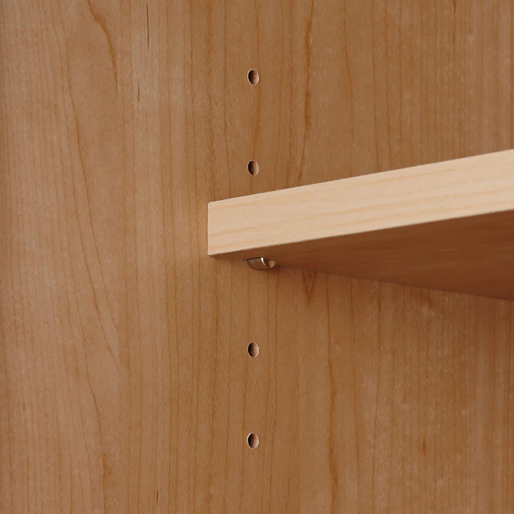 システム壁面ワードローブ 上置き・幅80高さ65cm 可動棚板は3cm間隔で調節可能。また、飛び出しや跳ね上がりも防ぐストッパー付きダボ(金具)で固定します。
