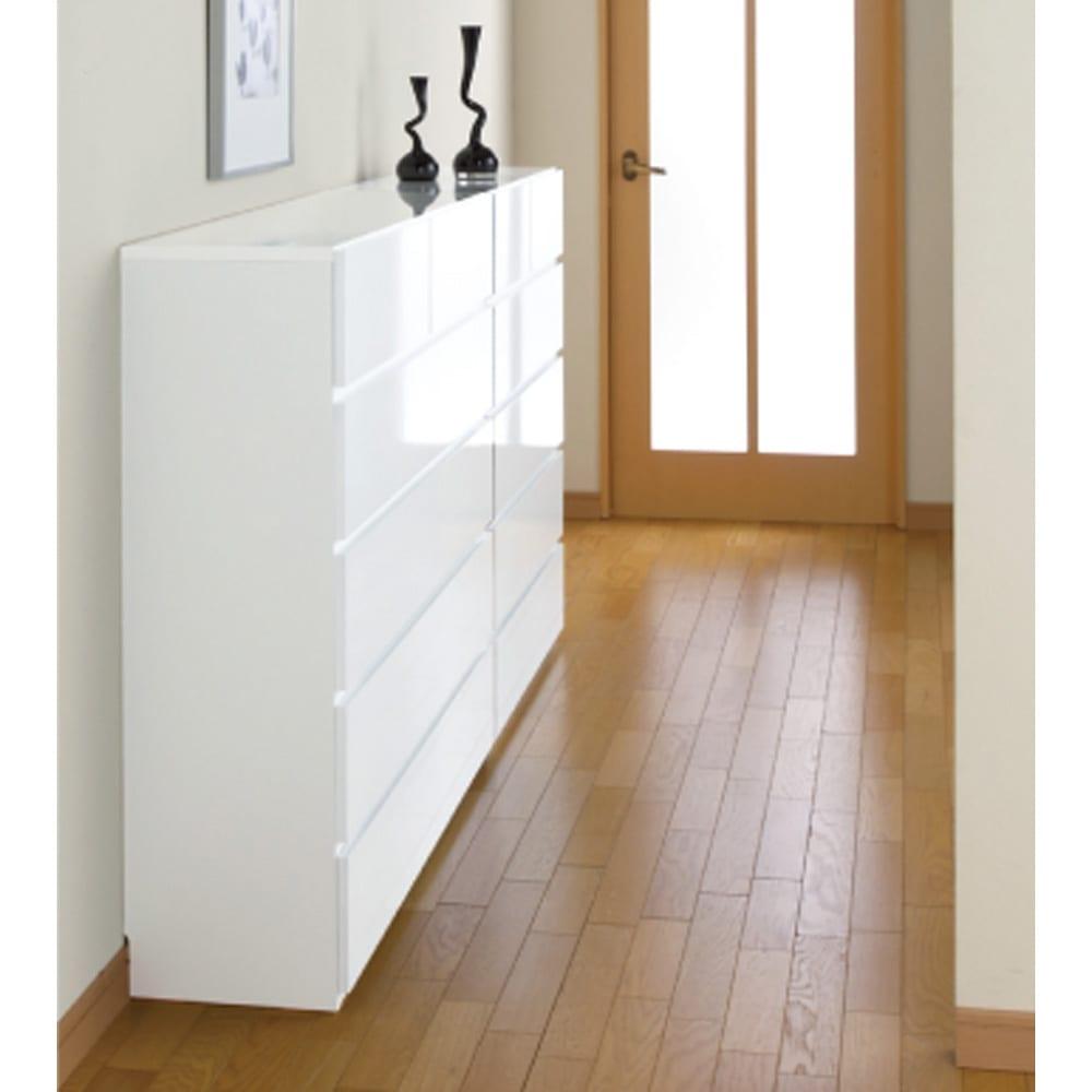 奥行30cm薄型ツヤツヤチェスト 幅50cm・5段 (ア)ホワイト色見本 廊下などの幅の狭いスペースにもオススメ!