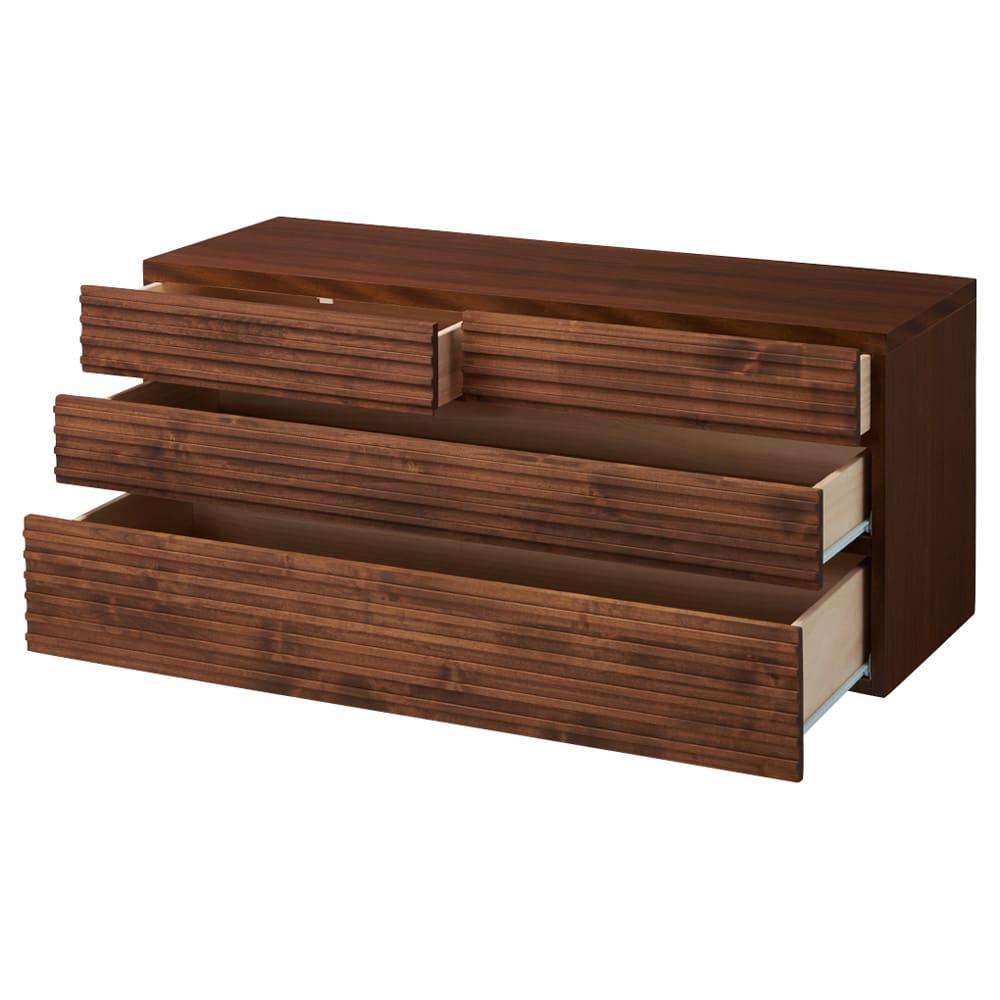 天然木横格子柄のローチェスト 幅120cm・3段 引き出しを開けた状態