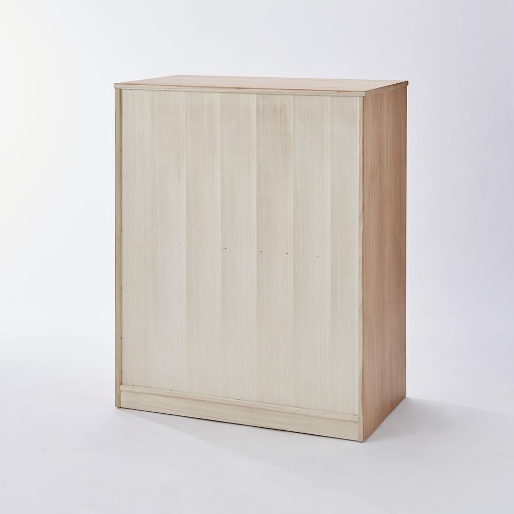 柿渋仕上げ隠しキャスターチェスト 幅75cm・6段 背面も桐材を使用。
