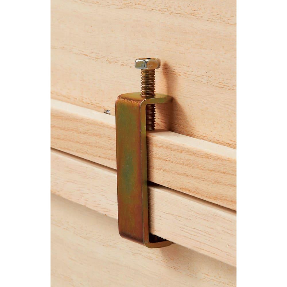 ウォークインクローゼット総桐着物収納シリーズ 引き出し深4段・高さ75cm 3段まで重ねて使えます。上下に重ねる場合は付属の連結コの字金具で裏側から固定します。