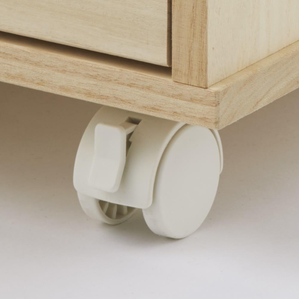 【キャスター付きでどこでも使える】総桐着物収納クローゼットワゴン 盆収納5杯・高さ60.5cm キャスター付きで移動も簡単。