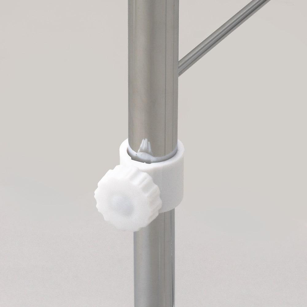 ジーパンもOK!頑丈スラックスハンガー 高さ伸縮式・30本掛け 高さ伸縮します。白のつまみをゆるめて調節します。