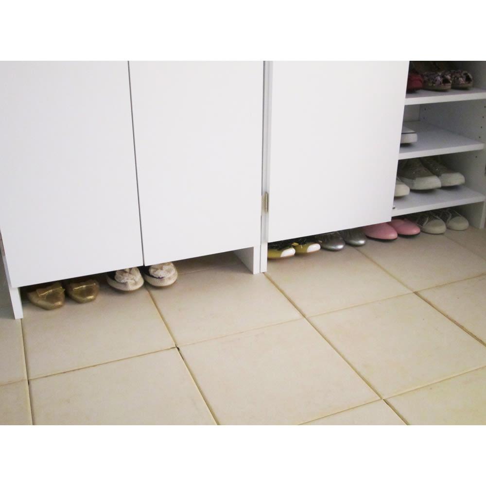 奥行ゆったりシンプルラインシューズボックス ハイタイプ 幅75cm 玄関かまちに散らかりがちな靴もサッと隠し収納ができます。