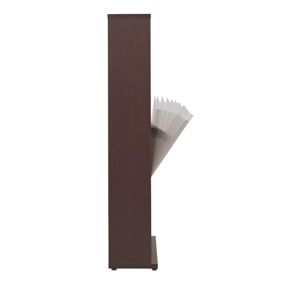 静かに閉まる薄型フラップシューズボックス シングル3段 幅90cm ダンパー付きで、扉はバタンと音がせずに静かに閉まります。
