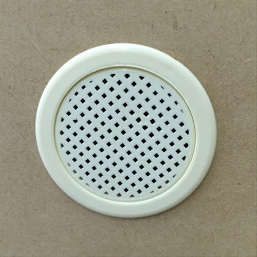 静かに閉まる薄型フラップシューズボックス シングル4段 幅90cm 背面には通気口が付いており、臭いや湿気がこもりません。