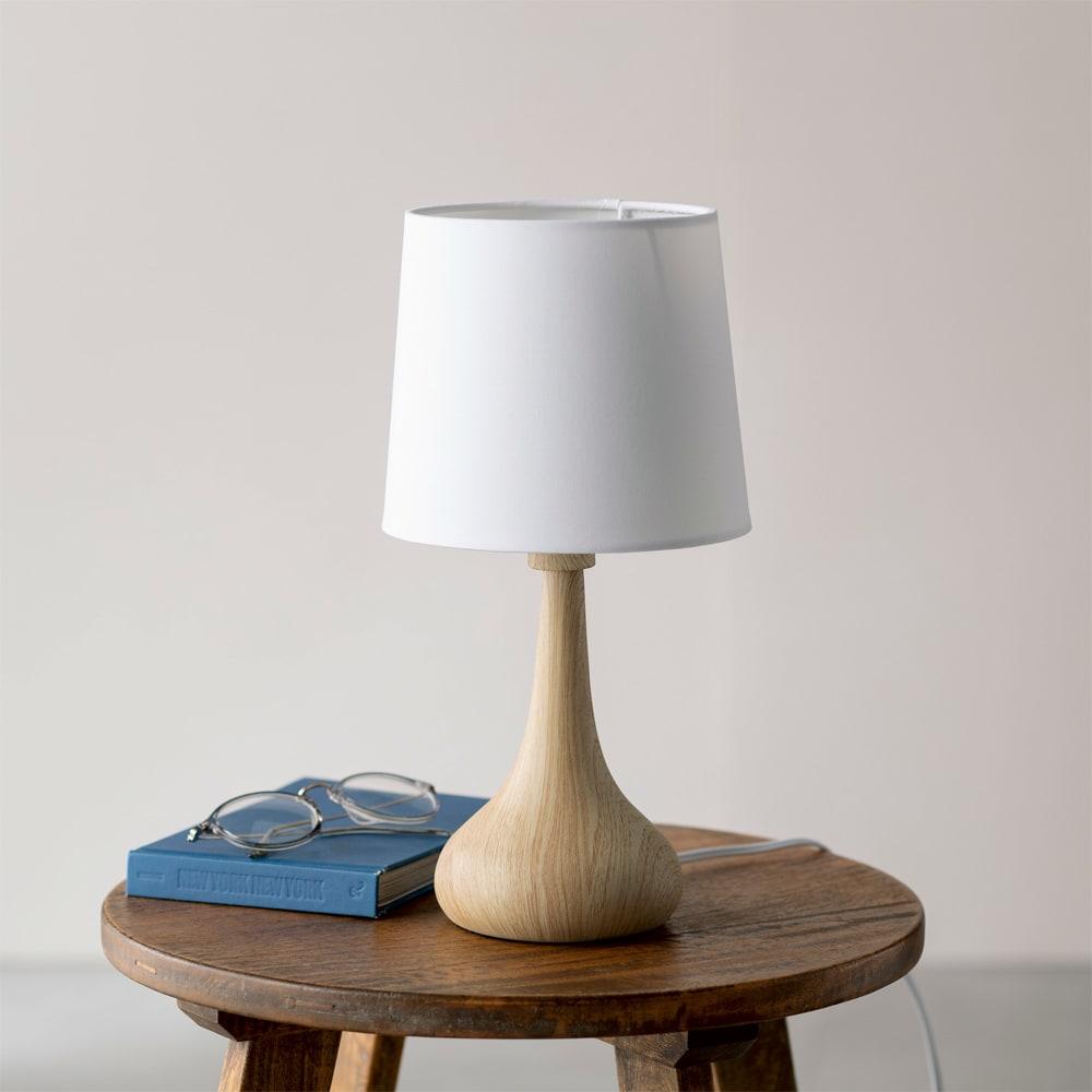 タッチセンサー付き木目調テーブルランプ