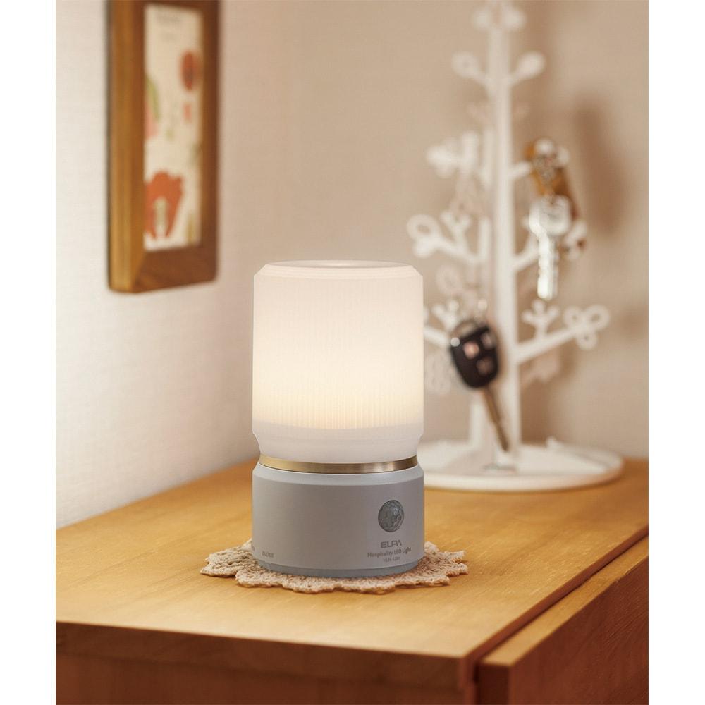 人感センサー付きもてなしライト お帰りなさいともてなすように 自動点灯で足元をふわっと優しく照らします (ア)パールホワイト(丸型)