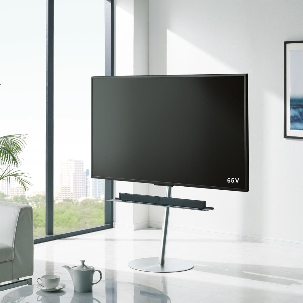 スマートテレビスタンド ラージタイプ(45~65V対応) 使用イメージ(ア)シルバー ※写真は別売りのサウンドバー専用棚板を使用しています。