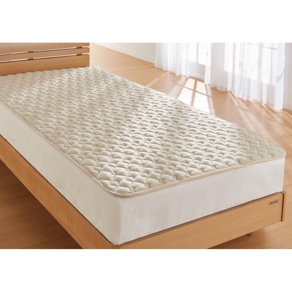 ベッド 寝具 布団 毛布 ベッドパッド 敷きパッド 西川の洗える制菌わたベッドパッド ダブル 546092